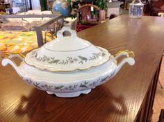 Jackson China Fleur Blanc Elegant Oval Covered Casserole