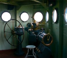 Wheelhouse - USS Texas was the location of the only battle fatality in the ships history. The Helmsman was killed and the Captain was badly injured when a German shell hit below the floor and detonated during the Normandy invasion. Uss Texas, Air Ship, Inspired Lighting, Normandy Invasion, Battle Ships, Navy Ships, Iron Maiden, Us Navy, Zeppelin