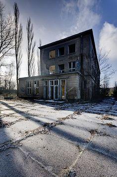 Forgotten.... (by jrej www.gregoirec.com)