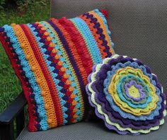 Ravelry: laurielamont's Fiesta Bobble Stripe Pillow