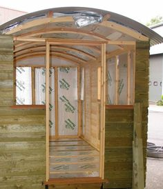 A blog about the lifestyle of shedworkers and those who work from garden offices and other shedlike atmospheres
