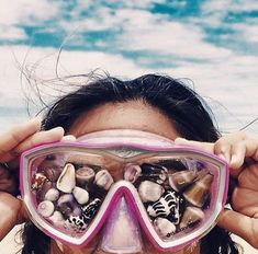 Find images and videos about summer, aesthetic and beach on We Heart It - the app to get lost in what you love. Summer Goals, Summer Of Love, Summer Sun, Summer Beach, Hawaii Beach, Summer Photos, Beach Photos, Tumblr Beach Pictures, Cool Summer Pictures