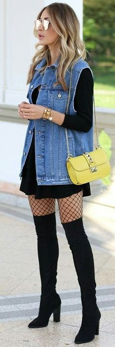 Denim + Black + Pop of Yellow | https://outfitshunter.com/article/60-fall-street-style-trends-to-copy-right-now.
