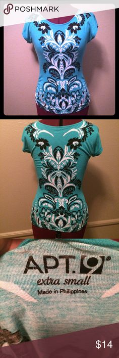 Filigree Pattern Top Fabric is a little bit stretchy. In excellent condition! Such a pretty pattern and color combo! I always get compliments when I wear this! MAKE ME AN OFFER! Apt. 9 Tops Tees - Short Sleeve