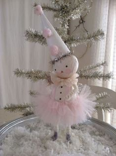 40 First Apartment Ideas Christmas Decorations Shabby Chic Shabby chic christmas, Pink Christmas, Christmas Snowman, Vintage Christmas, Christmas Holidays, Christmas Decorations, Shabby Chic Christmas Ornaments, Snowman Crafts, Christmas Projects, Holiday Crafts