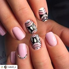 Дизайны-3 – 799 fotografías Cute Nail Art, Cute Nails, Pretty Nails, Short French Nails, Short Nails, Sexy Nails, Black Nails, Short Nail Designs, Nail Art Designs