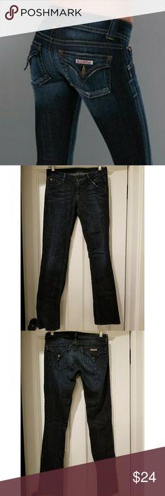 "Hudson Skinny Straight Leg Dark Denim SZ 26 Excellent pair of Hudson Jeans skinny straight leg denim in extra dark wash. (Style NW429DHK, color WSHL, cut H04166) 98% cotton, 2% elastene. Size 26. Excellent condition. Signatureflap back pockets. 38"" long, 31.5"" inseam, 14"" across waist, 7"" rise. Hudson Jeans Jeans Skinny"