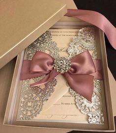 Convite perfeitoooooo! O que acharam? . #universodasnoivas #noiva #weddings #wedding #weddingday #weddingdress #casamento #casamentos…