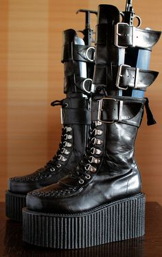 unique CREEPERS by Demonia platform boots