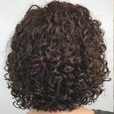 Perm For Thin Hair, Spiral Perm Short Hair, Short Permed Hair, Bob Haircut For Fine Hair, Short Thin Hair, Thin Hair Bobs, Spiral Perms, Thin Hair Layers, Perm Hair