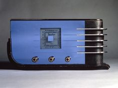 Sparton Table Radio, ca. 1936 by Walter Dorwin Teague, wikipedia #Industrial_Design #Streamline_Moderne