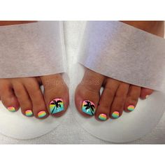 Sunset comes in many colour variation. This one is no exception. Toenail Art Designs, Beach Nail Designs, Pedicure Designs, Summer Toenail Designs, Pedicure Ideas Summer, Beach Toe Nails, Summer Toe Nails, Pedicure Colors, Pedicure Nail Art