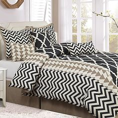 Nanshing Josh 7-Piece Reversible Comforter Set in Black/White