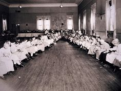 Sewing class for deteriorated women - and century psychiatry: 22 rare photos - Pictures - CBS News Mental Asylum, Insane Asylum, Abandoned Asylums, Abandoned Places, Psychiatric Hospital, Vintage Medical, Mental Health Problems, Mental Disorders, Rare Photos