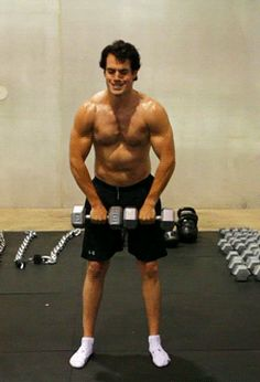 Henry Cavill GIF (click)  working out for Man of Steel