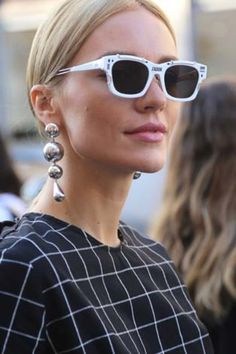 Fashion Month continues in Milan with sartorial prowess and head-to-toe Gucci. Cool Street Fashion, Street Style, Italian Chic, Head To Toe, Cat Eye Sunglasses, Milan, Scene, Urban Style, Street Style Fashion