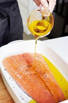 Delicious And Foolproof Way To Cook Salmon Pour olive oil over the whole thing and scatter thyme and lemon slices on and around the fish. Baked Salmon Recipes, Fish Recipes, Seafood Recipes, Appetizer Recipes, Cooking Recipes, Healthy Recipes, Cooking Games, Cooking Classes, Asian Food Recipes