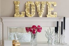23 Romantic Valentine's Day DIY Love Signs - World inside pictures Valentines Bricolage, Valentine Day Crafts, Happy Valentines Day, Valentines Design, Valentine Decorations, Adult Crafts, Diy And Crafts, Saint Valentin Diy, Gold Diy