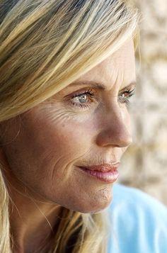 Secondo alcune celebrity la ginnastica facciale è il trattamento migliore per contrastare i segni del tempo. Ecco tutto quello che dovete sapere!