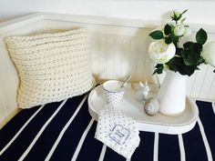 ADVERTISEMENT You will find hardly any things out there that every one loves. While you can find categories of people who have points in keeping,. Crochet Pillow, Hand Crochet, Crochet Basket Pattern, Crochet Patterns, Crochet Ideas, Chair Pillow, Afghan Patterns, Diy Décoration, Half Double Crochet