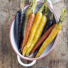 Sweet roasted carrots taste amazing when sauteed in bone broth and finished with maple syrup. You'll love this easy to make side! Thanksgiving Sides, Thanksgiving Recipes, Holiday Recipes, Holiday Meals, Roasted Sprouts, Roasted Carrots, Phish Food, Real Food Recipes, Cooking Recipes
