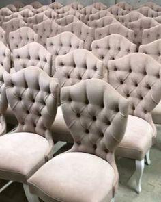 """У каждого свой рай, наверно это наш  стулья выполнены для банкетного зала  """""""