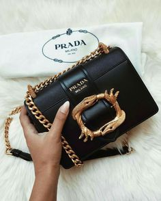Find tips and tricks, amazing ideas for Prada handbags. Discover and try out new things about Prada handbags site Fall Handbags, Prada Handbags, Purses And Handbags, Cheap Handbags, Popular Handbags, Prada Purses, Handbags Online, Summer Handbags, Trendy Handbags