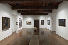 Casa de Oviedo-Portal, sala 13, con obra de José Uría y Martínez Abades. Fotografía: Marcos Morilla.