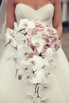 18 Gorgeous Cascading Wedding Bouquets ❤ See more: http://www.weddingforward.com/cascading-wedding-bouquets/