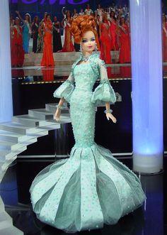 Barbie Miss Niagara Falls 2013 Barbie Gowns, Pageant Gowns, Barbie Clothes, Fashion Dolls, Fashion Dresses, Miss Pageant, Manequin, Barbie Miss, Christmas Barbie