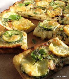 Smaczna Pyza: Pizza mleczna z cukinią i mozarellą