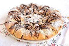 Fiore di brioche alla nutella, scopri la ricetta: http://www.misya.info/2014/07/09/fiore-di-brioche-alla-nutella.htm