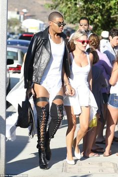 Well-heeled: Rich Kids Of Beverly Hills co-stars EJ Johnson and Morgan Stewart arrived together for an Independence Day party held at Nobu in Malibu on Monday Queer Fashion, Quirky Fashion, Korean Fashion, Black Celebrity Couples, Mode Alternative, Runway Fashion, Mens Fashion, Men In Heels, Style Masculin