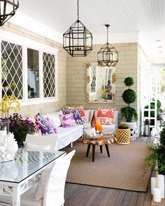 Beautiful patio, pops of color #CompassPointeNC