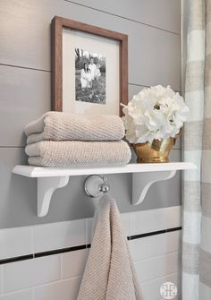 Era Simplicity Towel Storage Ideas
