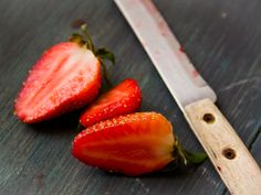 Erdbeer - Strawberry Strawberry, Fruit, Food, Wallpaper Backgrounds, Food And Drinks, Food Food, Essen, Strawberry Fruit, Meals