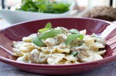 Kreatives Nudelrezept für schmackhafte italienische #Farfalle mit #Huhn und Salbei.