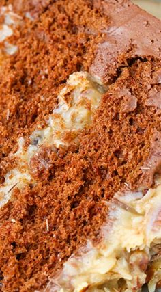 This German Chocolate Cake recipe is a classic! The moist chocolate cake paired with coconut pecan filling + chocolate frosting is so delicious together! Classic Chocolate Cake Recipe, Chocolate Recipes, Chocolate Cakes, Chocolate Frosting, German Chocolate, Melting Chocolate, Chocolate Heaven, Cake Recipes, Dessert Recipes