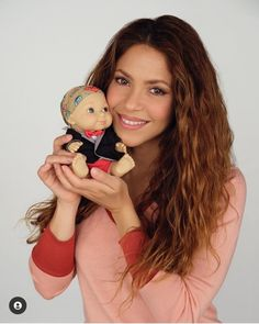 Shakira, Fake Pictures, Mtv Videos, Mtv Video Music Award, Latin Music, Billboard Music Awards, Hollywood Walk Of Fame, Her Music, Beauty Queens