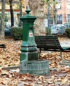 Travel Tips: Avoiding Expensive Bottled Water in Italy. How to Get Tap Water for Free Milan, Italian Beauty, Like A Local, Water Bottle, Bottled Water, Italy Travel, Fresh Water, Travel Tips, City