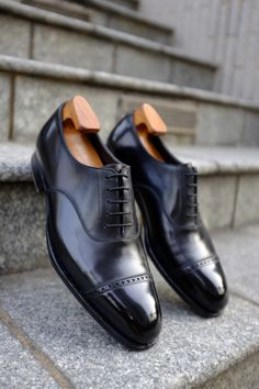 """Oxfords in black calf, the """"must have"""" shoes for..."""