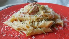 Lepennette con zucchine, philadelphia e prosciutto cotto sono un primo piatto velocissimo, adatto per quando si ha poco tempo ma non si vuole di certo rinunciare al buon gusto in tavola. Semplice,…