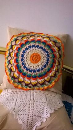 toalhinha de croche na almofada,do cantinho da Lili