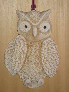 pretty owl Clay Owl, Diy Arts And Crafts, Crafts For Kids, Christmas Decorations, Christmas Ornaments, Holiday Decor, Salt Dough Projects, Salt Dough Ornaments, Diy Presents