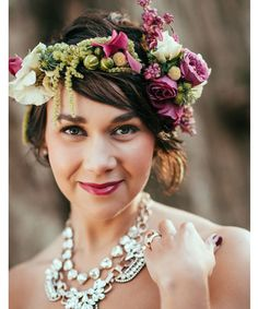 Hair Piece - 10 Ideas for Mother of the Bride Flowers - EverAfterGuide