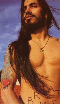 Nuno Bettencourt - Stunning, beautiful skin, gorgeous hair, fabulous face...