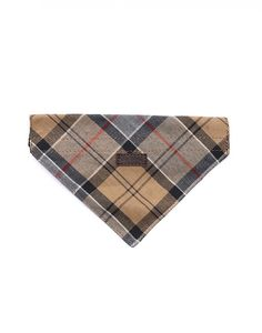 This tartan dog banana from Barbour is perfect for adding some serious edge to your pooches' style. Made from a soft cotton tartan your dog will feel as great as he looks. So show man's best friend how much he is appreciated with this gift by Barbour today.
