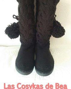 Botas tejidas a dos agujas y crochet! Informacion y pedidos: beatrizgarciaarroyo@gmail.com