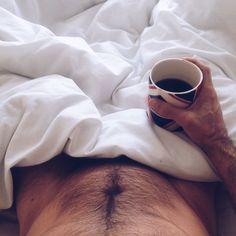 Coffee in bed. Coffee In Bed, Men Coffee, Coffee Love, Coffee Break, Coffee Talk, Black Coffee, Coffee Shop, Coffee Maker, Café Sexy