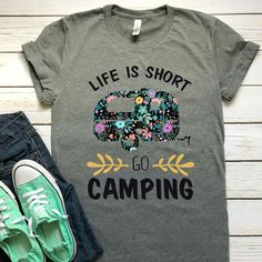 """Life is short, go camping"" - love the idea of using material for the camper! ""Life is short, go camping"" - love the idea of using material for the camper! Used Camping Gear, Camping Signs, Camping Style, Camping Glamping, Camping Chairs, Camping Life, Outdoor Camping, Camping Storage, Camping Humor"